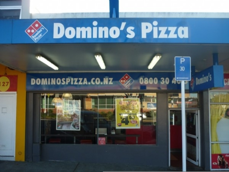 Dominos Glen Innes